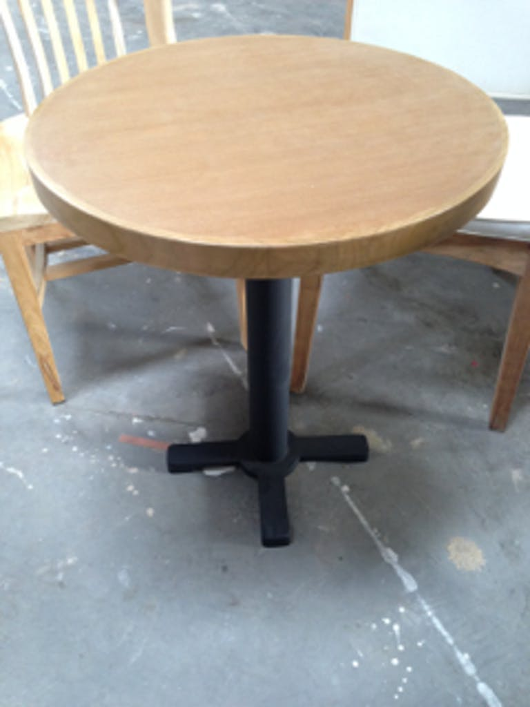 10.Round_table