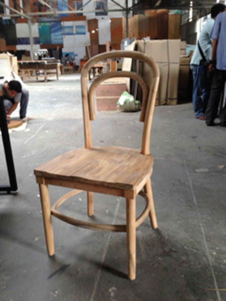 2.Chair_1