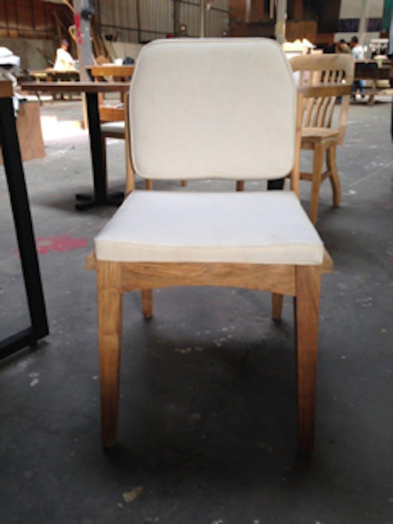 3.Chair_3
