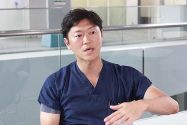 順天堂大学医学部附属順天堂医院・消化器内科の石川大先生。2014年から便移植の研究をおこなっている