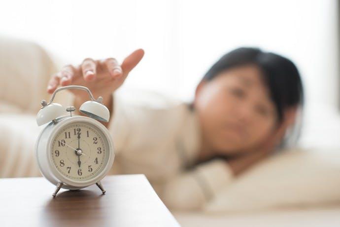 睡眠時間を確保するために~眠る時間ではなく起床時間をそろえるコツ