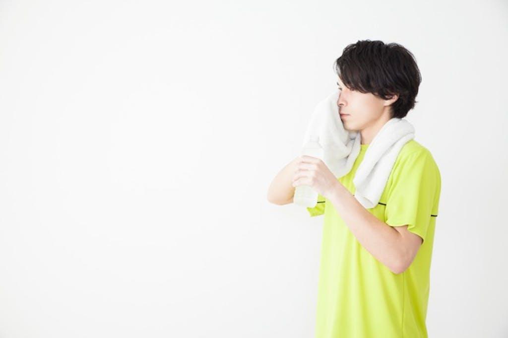 夏の筋トレは「朝型」が効果的! 【男のkintre!:夏のトレーニング編①】
