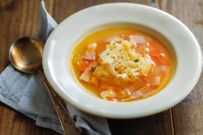 世界の発酵食品レシピvol.17:ザワークラウトの冷製コンソメスープ