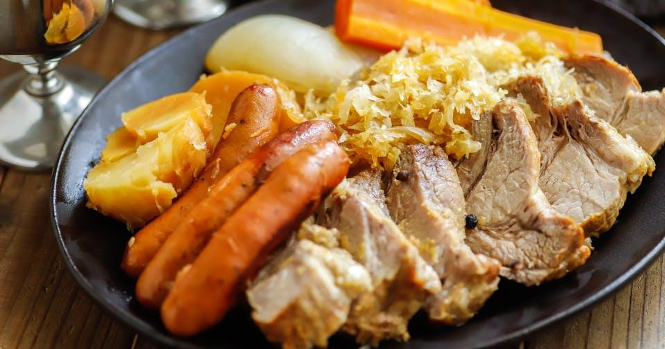 世界の発酵食品レシピvol.18:アルザス風シュークルート(西洋風肉じゃが)