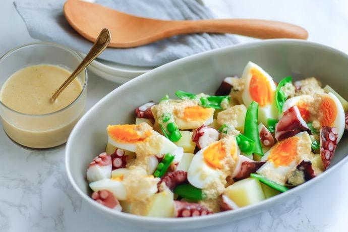 世界の発酵食品レシピvol.19:アンチョビードレッシングのタコとじゃがいものサラダ