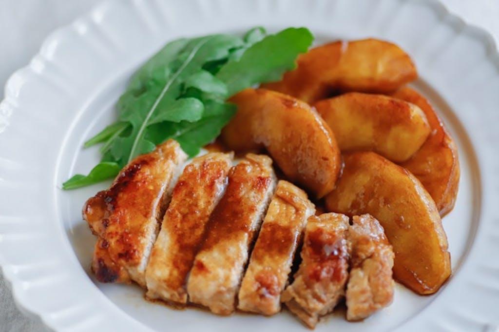 世界の発酵食品レシピvol.22:豚とりんごのバルサミコ酢ソテー
