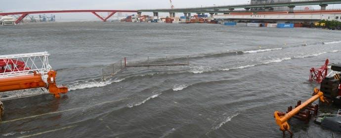 台風と重なるときには特に注意を!「高潮」の危険性と対策とは?
