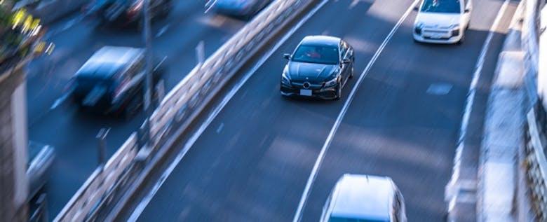 高速を走る前におさらいを!高速道路で起こりやすい「○○現象」(前篇)