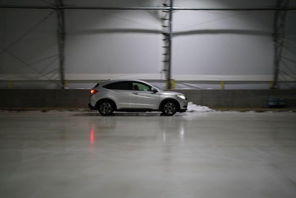 知っておけば今年の雪は怖くない!オールシーズンタイヤとスタッドレスタイヤの違いとは?