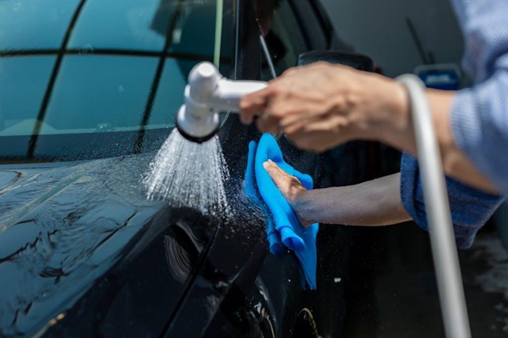 洗車で落とそう!「水あか」「イオンデポジット」「ウオータースポット」の落とし方